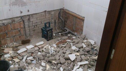 slopen oude badkamer