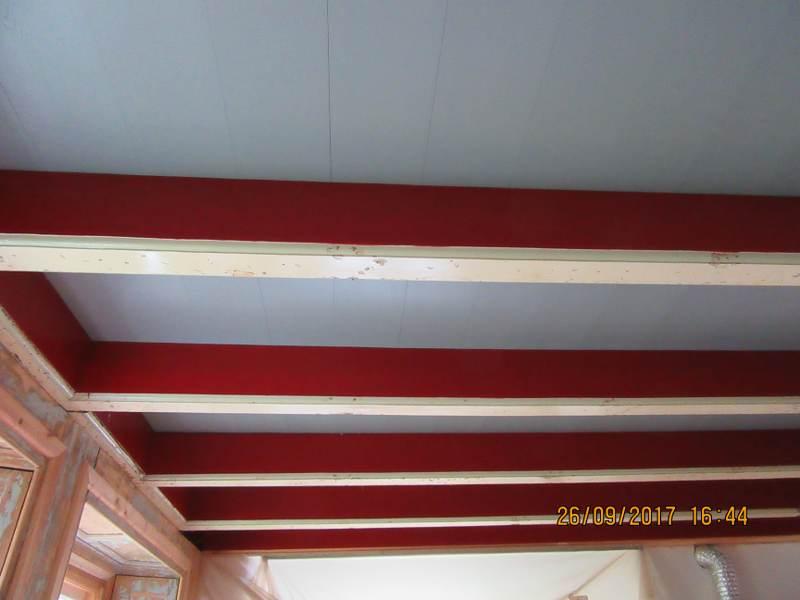 Nieuwe zoldervloer op gerestaureerde draagbalken rene koole sneek friesland - Balken grijs geschilderd ...